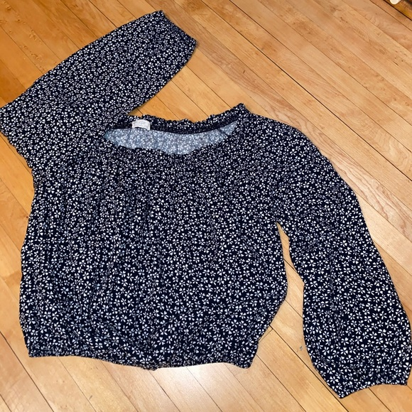Brandy Melville Tops - Navy and white cropped brandy Melville shirt!